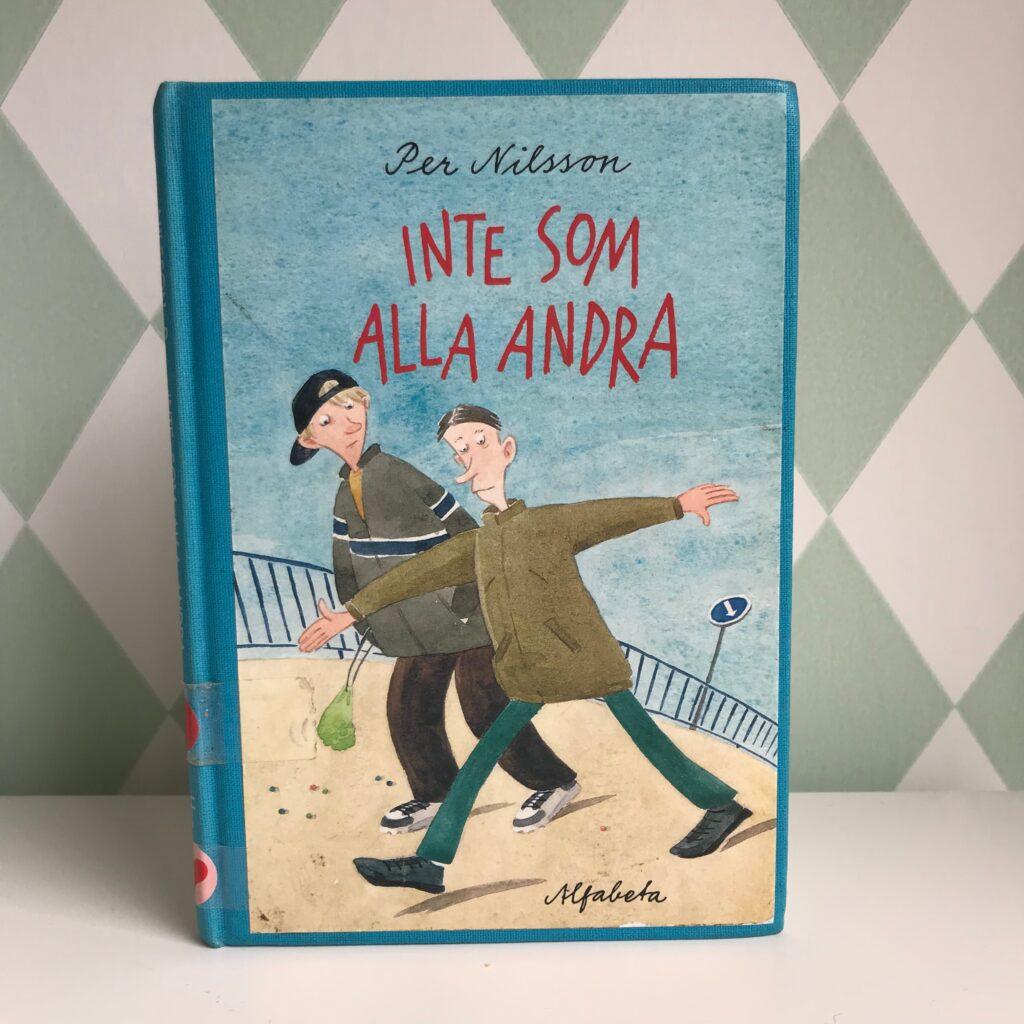 """Boktips, barnbokstips, funkisbok, Aspergers. """"Inte som alla andra"""" av Per Nilsson och Pija Lindenbaum."""