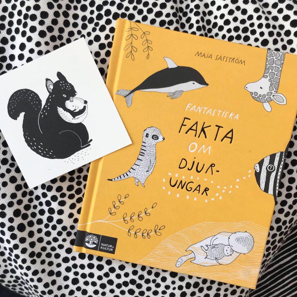 """Boktips för barn. """"Fantastiska fakta om djurungar"""" av Maja Säfström. Faktabok. Presenttips."""