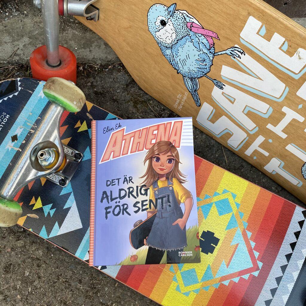 Athena -Det är aldrig för sent! av Elin Ek. Boktips från Barnens boktips.